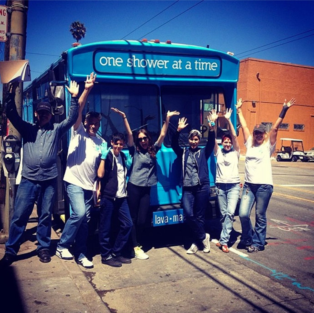 San-Francisco-Non-Profit-Puts-Showers-And-Toilets-On-A-Bus-Hopes-to-Restore-Dignity-To-Homeless